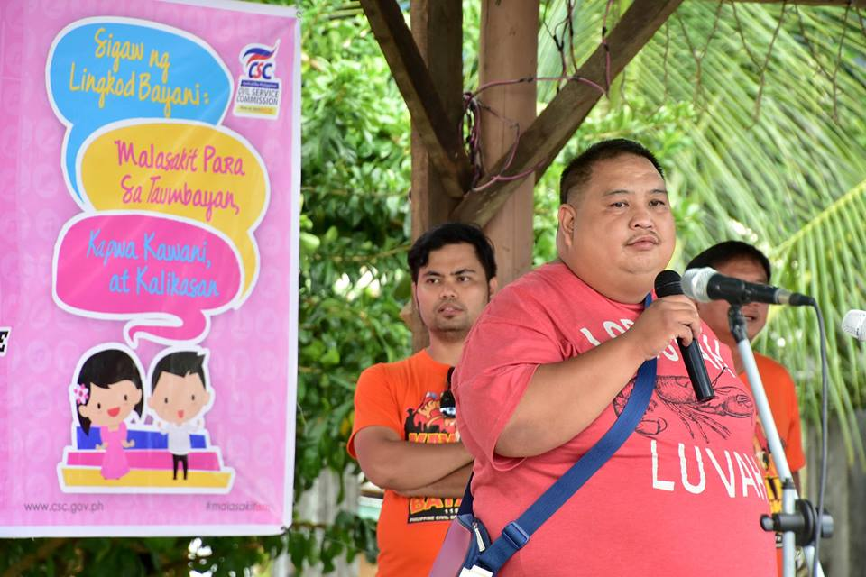 KIAMBA, Sarangani (October 1, 2016) – Municipal Administrator Anton Albert Sayo reminds the Kiamba Municipal Employees to do their job in line with the civil service law and always put into priority the concern of constituents, co-civil servant and environment during the culmination of the Local Government Unit of Kiamba's Civil Service Celebration, Friday, September 30 at Kiamba Baywalk Area. (Rotciv Camposano/KIAMBA INFO CENTER)